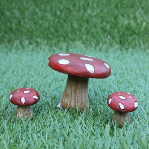 fairy-toadstool-table-chairs